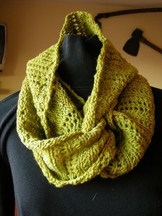 Countess of Vinto by Gabrielle Danskknit. malabrigo Worsted and Rios. Frank Ochre colorway.