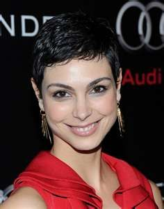 Cool Fashions Hair: Morena Baccarin with Short Layered Hairstyles Short Hair With Layers, Short Hair Cuts, Pixie Styles, Short Hair Styles, Morena Baccarin Deadpool, Hair Today Gone Tomorrow, Cute Hairstyles, Layered Hairstyles, Girl Celebrities