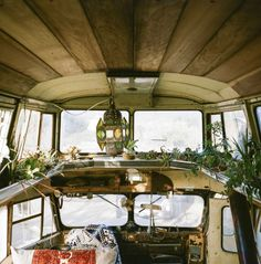 Below are some photos of the bus Ryan Lovelace, a surfboard shaper in Santa Barbara, calls home. Ryan decided to move into a bus af. Bus Living, Tiny Living, Magical Home, Bus House, Diy Shower, Bus Conversion, Truck Camper, Diy Interior, Rv Camping