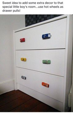 My diy i replaced the boring knobs with toy cars for our toddler boy! Would luv to know how she did this The post My diy i replaced the boring knobs with toy cars for our toddler boy! Would luv appeared first on Children's Room. Big Boy Bedrooms, Kids Bedroom, Bedroom Decor, Car Bedroom Ideas For Boys, Race Car Bedroom, Car Themed Bedrooms, Bedroom Loft, Boy Dresser, Dresser Knobs