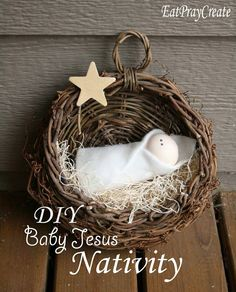 Simple DIY Baby Jesus Nativity A Christmas Decoration - adorable craft with great photo instructions from EatPrayCreate. Thanks, Taya! Noel Christmas, Christmas Crafts For Kids, Diy Christmas Ornaments, Homemade Christmas, Christmas Projects, All Things Christmas, Holiday Crafts, Christmas Decorations, Christmas Nativity
