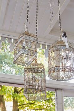 Eclectic home in Haarlem Lounge Lighting, Outdoor Lighting, Large Bird Cages, Outdoor Chandelier, Shabby Chic Homes, Lampshades, Home Decor Accessories, Farmhouse Decor, Diy Home Decor