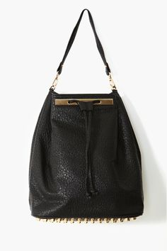 Looks-like-Alexander-Wang-but-is-really-from-Nasty-Gal backpack (via http://chicityfashion.com/backpacks/)