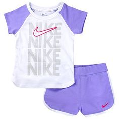 Nike Swoosh Tee and Shorts Set - Baby Cute Outfits For Kids, Toddler Outfits, Cute Kids, Cute Babies, Little Girl Fashion, Kids Fashion, Baby Nike, Baskets, Baby Kids Clothes