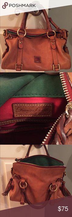Dooney and Burke shoulder bag in tan. Tan shoulder bag, great condition Dooney & Bourke Bags Shoulder Bags