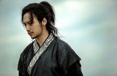 "The Crazy Ahjummas: Byun Yo Han is Unrecognizable in Stills for ""Six Flying Dragons"""