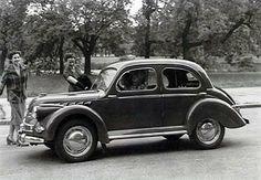 En 1945, Panhard et l'Aluminium Français étudièrent avec FACEL la construction de la Dyna-Panhard. FACEL construisit environ 45 000 carrosseries en aluminium pour Panhard,