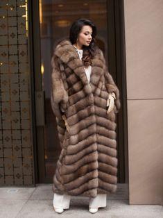 Sable Fur Coat, Mink Fur, Fur Coat Fashion, Polo Match, Fabulous Furs, Leather Gloves, Fox Fur, Fur Jacket, Mantel