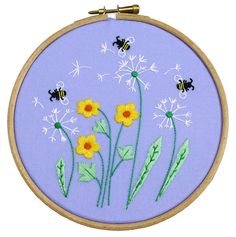 Dandelion, Bees and Buttercups Flower Embroidery Kit learn to embroider some pretty summer flowers on a lilac background. This is for any beginners to embroidery and doesnt include any french knots!  ♡ EACH EMBROIDERY KIT CONTAINS A 100% cotton pre-printed panel with the embroidery