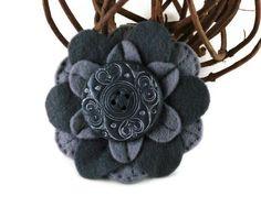 Brooch Grey Button Flower Felt