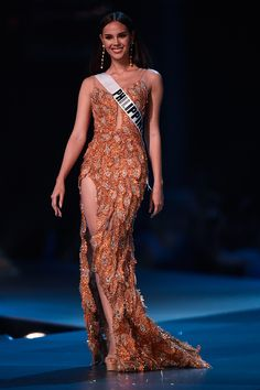 Miss Universo 2018 Catriona Gray - Filipinas anos - cm) Gala Dresses, Nice Dresses, Formal Dresses, Miss Universe Dresses, Miss Universe Philippines, Grey Fashion, Fashion Outfits, Miss Mundo, Alena Shishkova
