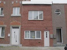 Maison à vendre à Liège - 110m² - 105 000 € - Logic-immo.be - Offre àpd 105 000 €.Unifamiliale proche des axes autoroutiers. Cuisine meublée, buanderie et grand séjour. Salle de bain et 3 chambres. Chauffage central au gaz de ville et double vitrage PVC. Rez car...