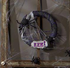 Make It: Fun® Spider Wreath #halloween #craft