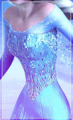 Elsa's pretty dress <3 THE DETAILS