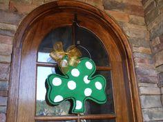 Shamrock burlap door hanger for St. Patricks Day.. $30.00, via Etsy.