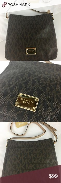 """Michael Kors Jet Set Travel Large Logo Messenger Condition:  Gently used. Good condition inside and out.    Proof that looks can be deceiving—chic and petite as it may be, our Jet Set messenger is filled with pockets to keep you effortlessly organized while on the go. 10""""H x 9.5""""H x 2.75""""W with a 20-22"""" Strap Drop. Top Zip.    Thank you for your interest! No Trades please. Michael Kors Bags Crossbody Bags"""