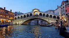 Chiaroscuro in Venice di Louis ROLLIN