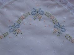 Embroidery pillow patterns baby quilts Ideas for 2019 Floral Embroidery Patterns, Smocking Patterns, Embroidery Fabric, Baby Patterns, Embroidery Stitches, Machine Embroidery, Embroidery Designs, Pillow Patterns, Embroidered Baby Blankets