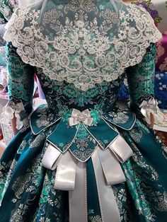 Dress Up Closet, Grandeur Nature, 18th Century Fashion, Edwardian Dress, Vintage Gowns, Aragon, Steampunk Clothing, Historical Clothing, Fashion History