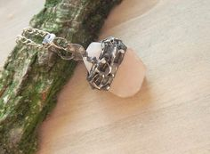 Pendant with pink quartz. Pink pendant. Copper by AcoyaJewellery