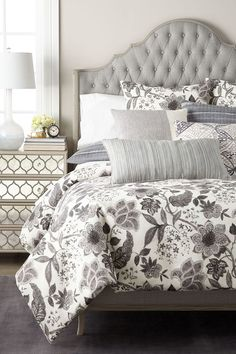 This contains: Designer Bedding Sets #luxurybedding #bedding #designerbedding King Duvet Cover Sets, Queen Comforter Sets, Duvet Sets, Queen Beds, Queen Duvet, Luxury Duvet Covers, Luxury Bedding Sets, Country Bedroom Design, Bed Price
