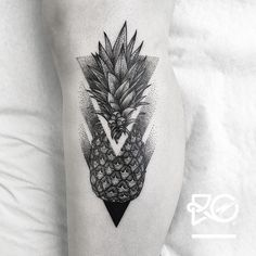 "632 Likes, 5 Comments - Robert Pavez (@ro_tattoo) on Instagram: ""By RO. Robert Pavez • Pineapple • Now taking Bookings from August 2017: robert@roblackworks.com ⚫️…"""