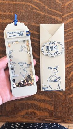 Marque-page shaker animaux, Stampin' Up! Creative Bookmarks, Paper Bookmarks, Handmade Bookmarks, Scrapbook Box, Book Markers, Shaker Cards, Pop Up Cards, Mini Books, Diy Gifts