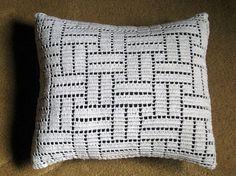 Items similar to White Filet Crochet Pillow on Etsy Filet Crochet, Crochet Motifs, Bead Crochet, Crochet Doilies, Crochet Stitches, Crochet Cushion Cover, Crochet Pillow Pattern, Crochet Cushions, Triangle En Crochet