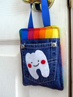 Tooth Fairy Pocket - Gotta Make one for my GrandDaughter - She'll soon be losing her Baby teeth.