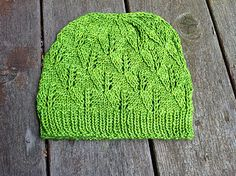 I'm really loving all the leaf patterns I've seen recently. Eventually I'll knit myself one.