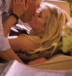 GIF: Tommy as Tuck & Reese Witherspoon - This Means War (2012) / TH0063A
