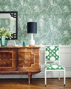 "581 Gostos, 16 Comentários - Thibaut (@thibaut_1886) no Instagram: ""West Palm wallpaper from our new Summer House collection is a large-scale tropical frond printed on…"""