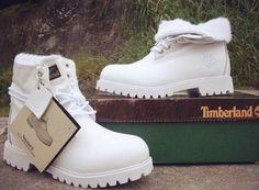 Timberland, gotta get myself a pair of white ones too!