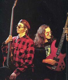 GuitarWorldJun1992a.jpg (800×937)