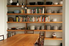 shelves design and decoration interior decorators design Dining Room Inspiration, Interior Inspiration, Interior Exterior, Kitchen Interior, Kitchen Design, Bookcase Styling, Kitchen Shelves, Room Shelves, Open Shelves