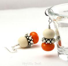 Handmade Lampwork Earrings by hippkittybeads on Etsy
