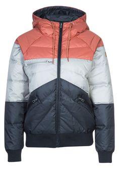 Nikita LOW Down jacket black