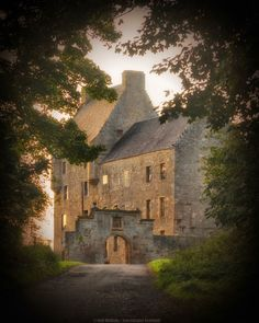 Lallybroch, officially named Midhope Castle