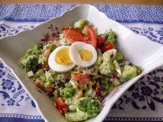 """""""Csak úgy, mint otthon"""": Brokkolisaláta Kefir, Cobb Salad, Eggs, Breakfast, Food, Morning Coffee, Essen, Egg, Meals"""