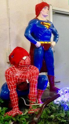 Hämähäkkimies ja Superman Kivapihalla