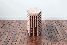 伸び縮みさせることで省スペースで利用可能なテーブル「Sinan Table」