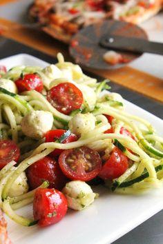 Spiralized Zucchini Pesto Caprese Salad 2