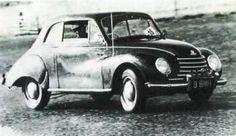 """JIM CLARK depois que achei esse texto na internet: """"Começou com um DKW, depois comprou um Sunbean Talbot, correu e venceu com um Porsche 1600 Super, depois um Triumph TR-3, até que foi contratado por uma equipe para correr com um Jaguar D-type ano 58."""" Paulo Peralta"""
