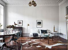 Scandinavisch huis met een twist van klassieke en moderne elementen - Roomed