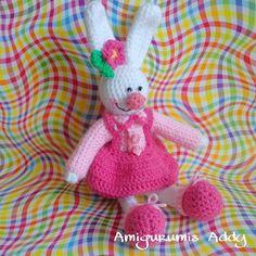Una linda conejita  #amigurumi #crochet #tejido #handmade  #amigurumis #amigurumiaddict #amigurumicrochet #amigurumilove #hechoamano #crochetdoll #rabbit #bunny