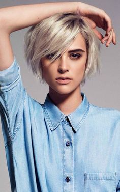Advertisement: Wanna update your look with a gorgeous hair color? Here in this post we will show you 20 Stunning Hair Color Ideas for Short Hair that can b Girls Short Haircuts, Short Hairstyles For Women, Messy Hairstyles, Latest Hairstyles, Short Hair Cuts For Women, Girl Short Hair, Short Hair Styles, Queer Hair, Short Cropped Hair