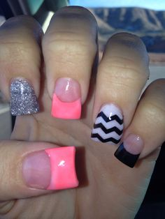 Chevron acrylic nails!