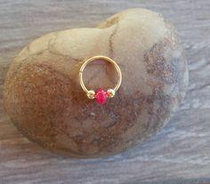 Pendiente de cartílago aro de diminutas por sofisjewelryshop