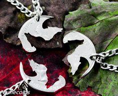 Wolf Friendship necklaces, 3 piece Interlocking quarter jewelry set, hand cut coin Wolf Friendship Halsketten, Interlocking Quarter Schmuckset, h – NameCoins Wolf Jewelry, Jewelry Sets, Fine Jewelry, Jewelry Trends, Dolphin Jewelry, Jewelry Making, Trendy Jewelry, Turquoise Jewelry, Silver Jewelry