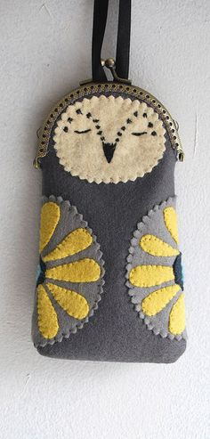 owl coin purse love it! Sewing Crafts, Sewing Projects, Owl Purse, Animal Bag, Frame Purse, Craft Bags, Coin Purse Wallet, Coin Purses, Vintage Purses